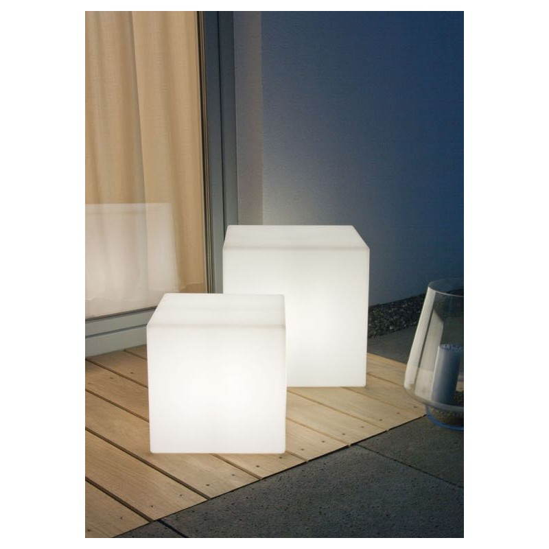 Table basse lumineuse cube int rieur ext rieur blanc led for Table exterieur interieur