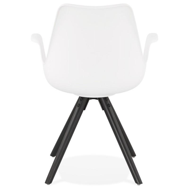Chaise design scandinave avec accoudoirs ARUM pieds bois couleur noire (blanc) - image 43519