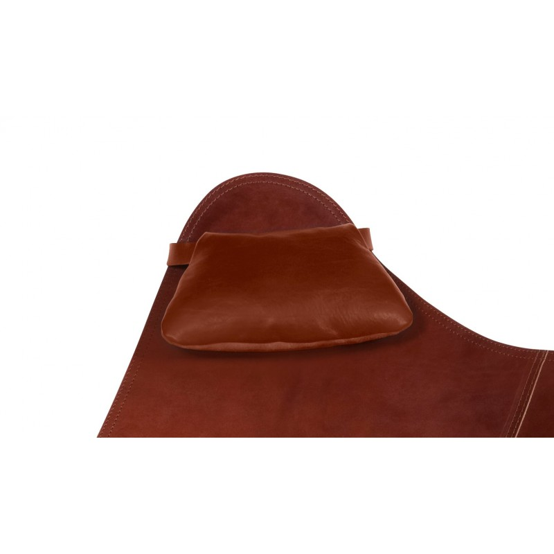 A removable headrest for Italian leather armchair BUTTERFLY (oak brown)